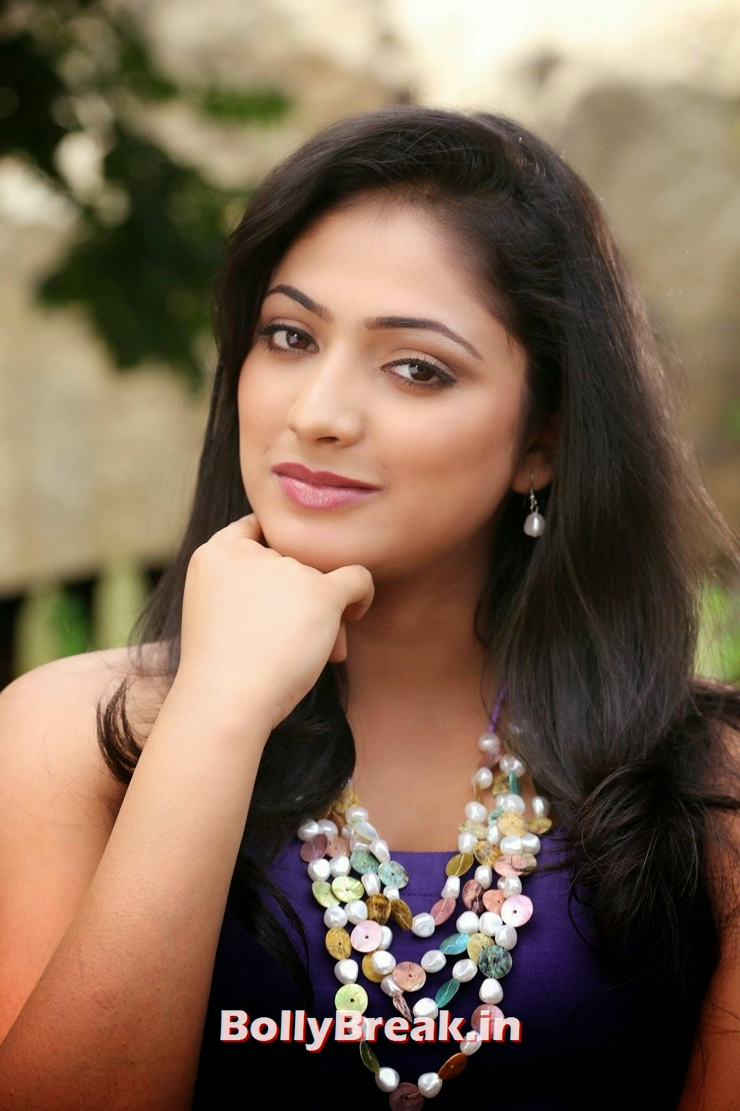, Haripriya Latest Hot Images 2014 - Hot Photoshoot Pics
