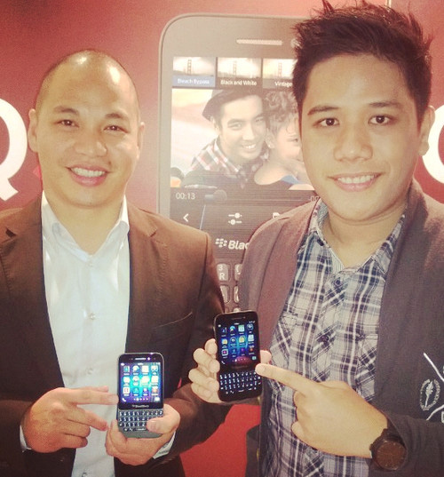 blackberry q5, Mark Milan Macanas, Kristian Salvo
