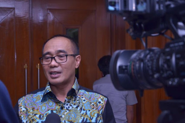 Anggota PKS Bacakan Surat Buat Ahok Di Paripurna, Hanura Tuding Itu Singgung SARA