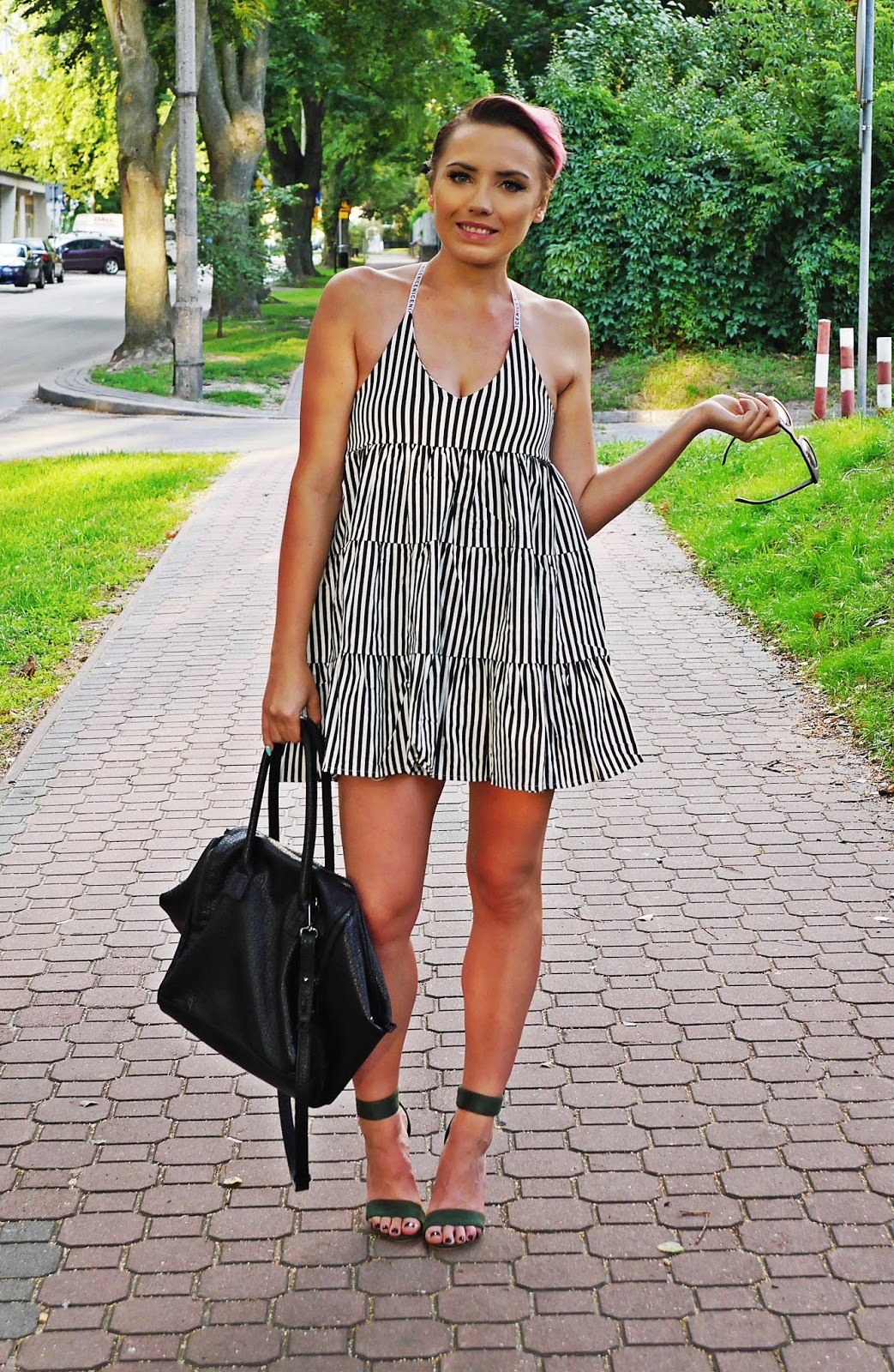 stripes_dress_green_heels_ootd_look_karyn_blog_010817d