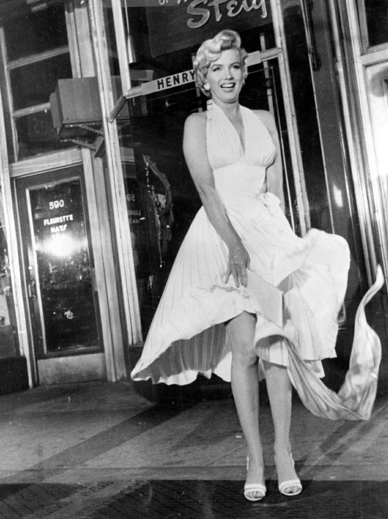 Little white dress ~ vintage everyday