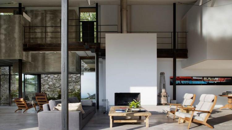 Boiserie c ristrutturare un casale ex stalla in stile con pietra cemento legno - Blog di interior design ...