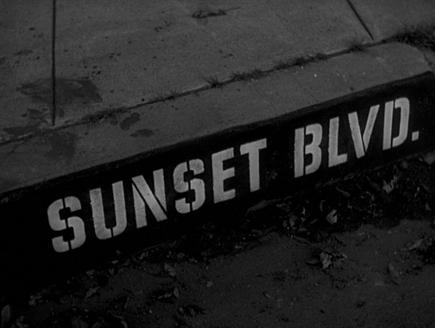 Sunset Bulevard Opening credits