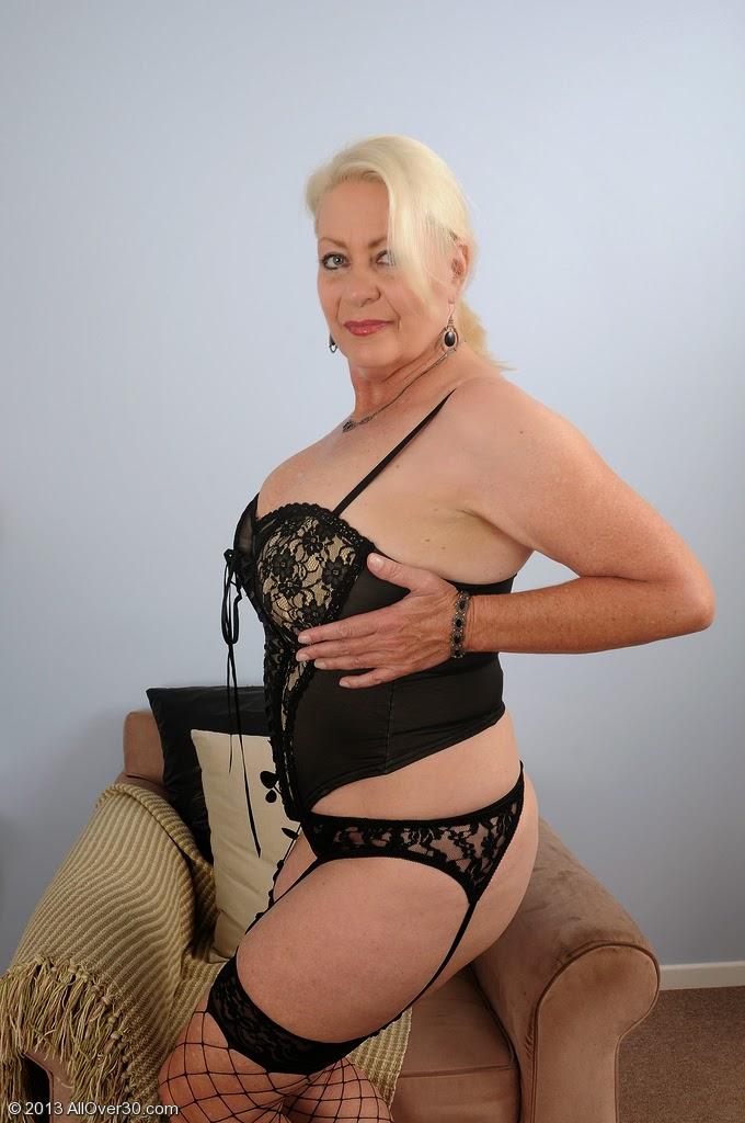 Porn Angelique Black 28