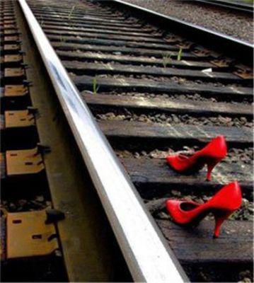 vías, zapatos, mujer, rojo
