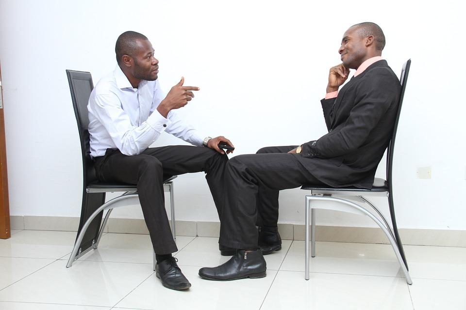 Como se dar bem numa entrevista de emprego