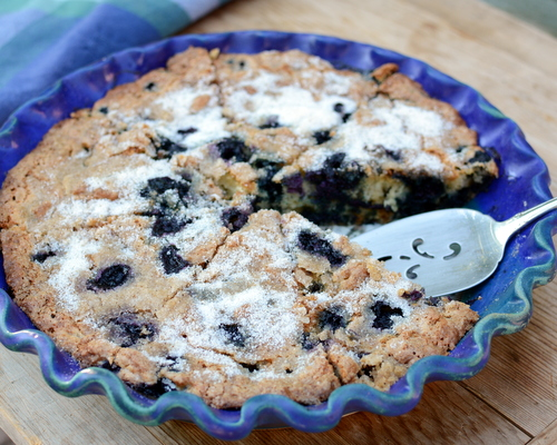 Mom's Blueberry Coffeecake, another easy summer recipe ♥ KitchenParade.com, moist and delicious with fresh or frozen blueberries. Rave reviews!