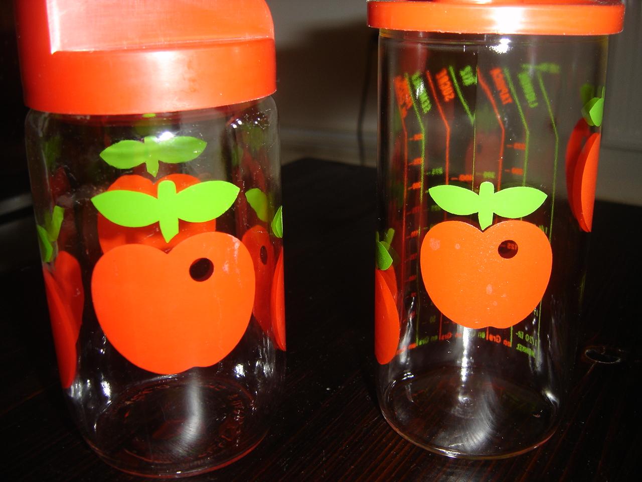 histoires de broc 39 pots en verre motifs pommes. Black Bedroom Furniture Sets. Home Design Ideas