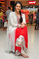 HeyAndhra Mehereen Kaur Gorgeous Photos HeyAndhra.com