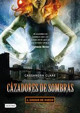 Cazadores de Sombras (2016)