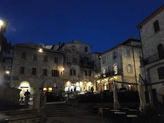 Assis Itália vista noturna