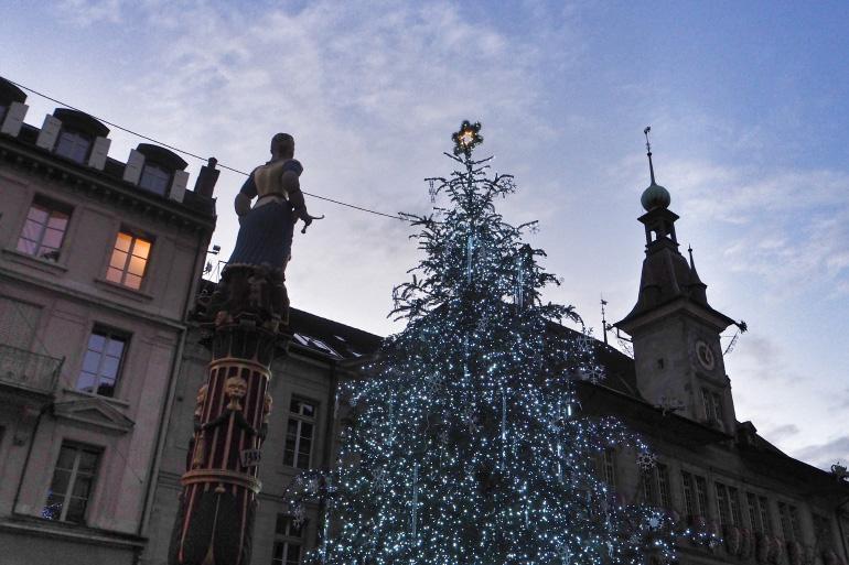Décorations de Noël dans les rues de Lausanne en Suisse