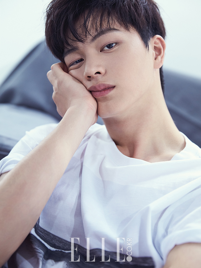 Yook Sung Jae Looks Slightly Sleepy in a Pictorial with ...