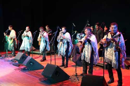 Los Kjarkas rememoran éxitos en su aniversario 45 e inicia celebración en La Paz