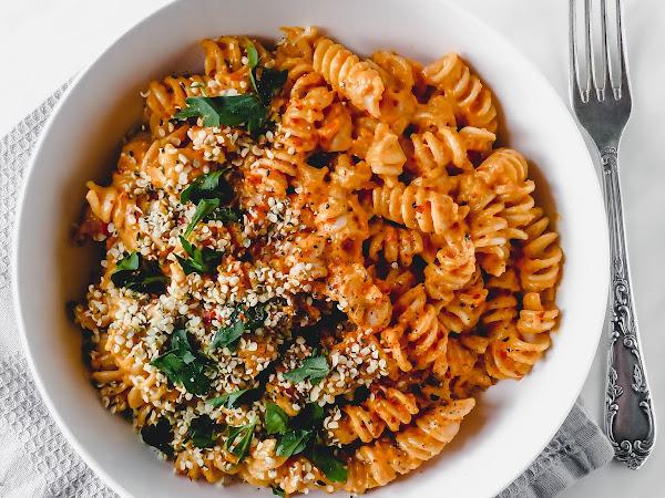 Fusilli mit Ricotta-Paprika-Pesto
