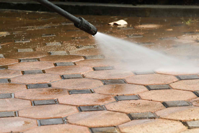 How to keep concrete driveway oil free for Best way to get oil out of concrete