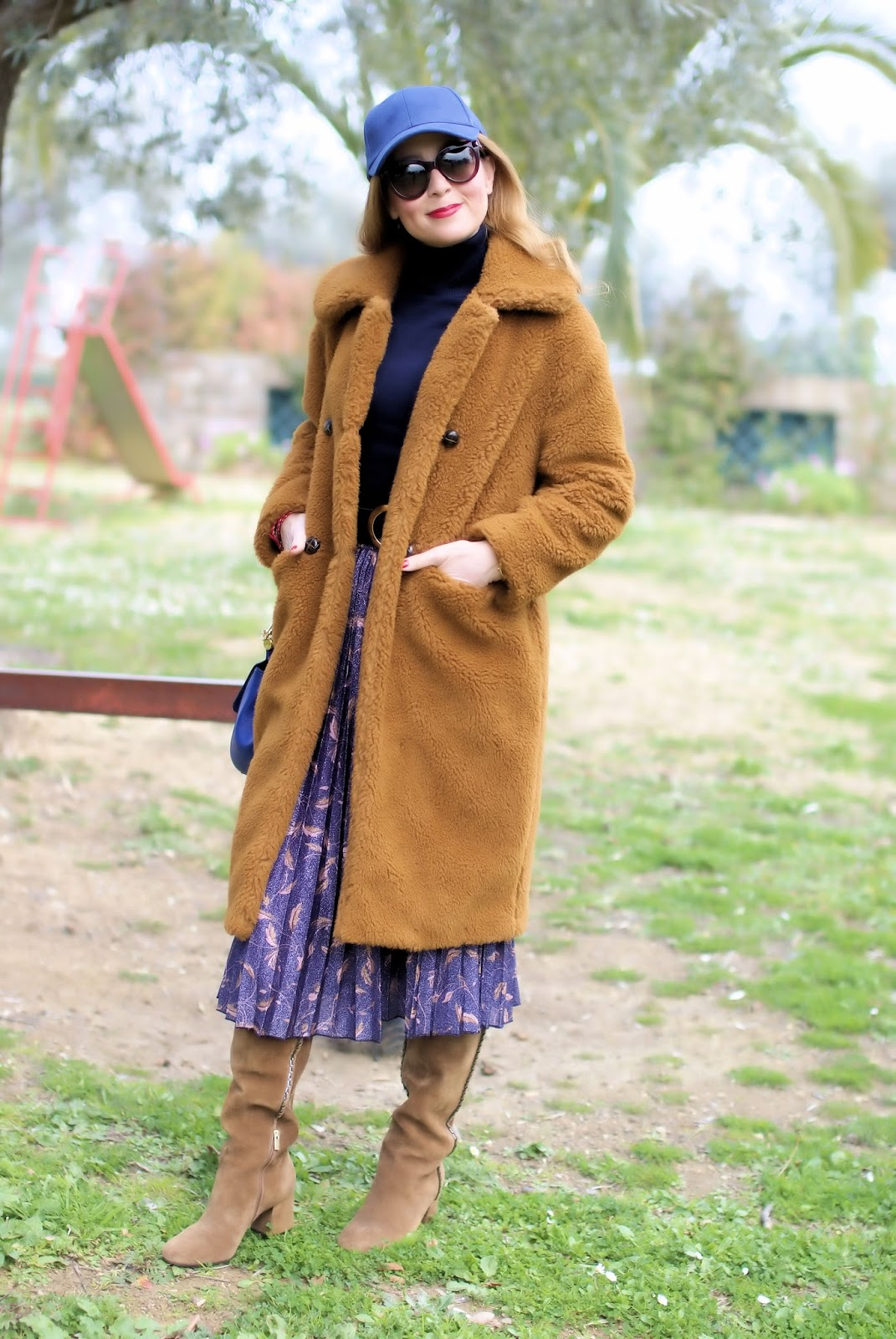 The Teddy Bear Coat trend on Fashion and Cookies international fashion blog