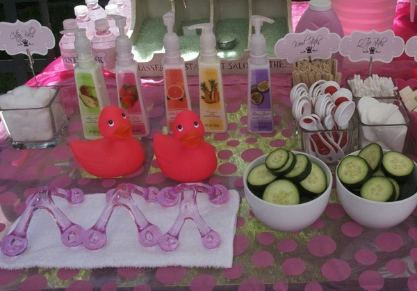 Table For 6 Year Old: { All Things Bright And Beautiful }: Spa Party With The Girls