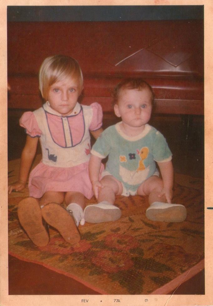 meu irmão e eu- foto de fevereiro de 1977