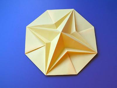 Origami, Stella in ottagono 2, variante a - Octagonal Star 2, variant a, by Francesco Guarnieri