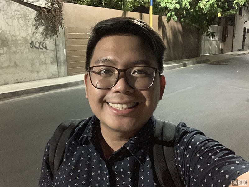 iPhone XS selfie low light