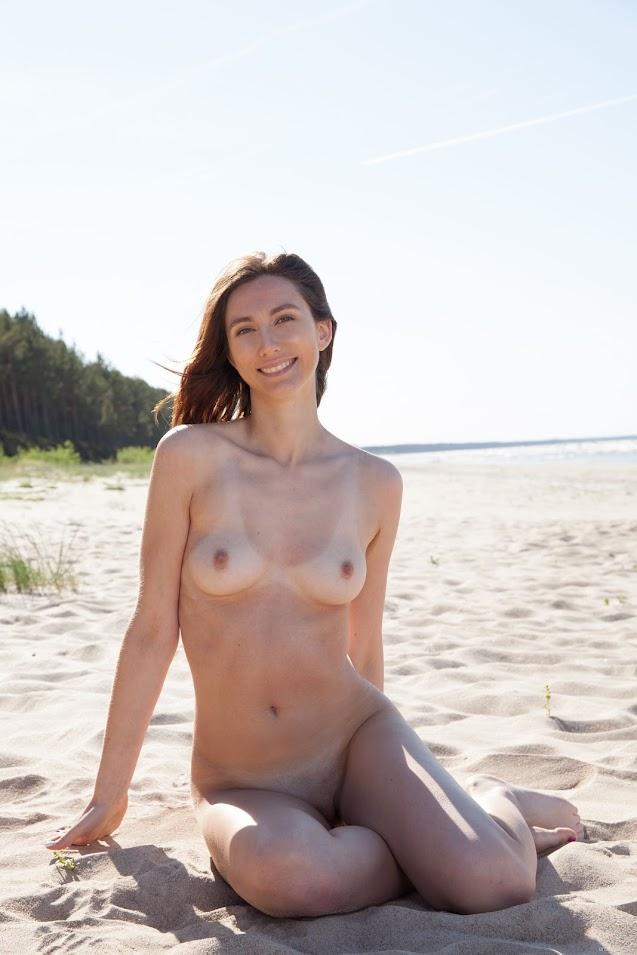 EroticBeauty Veronda Presenting Veronda