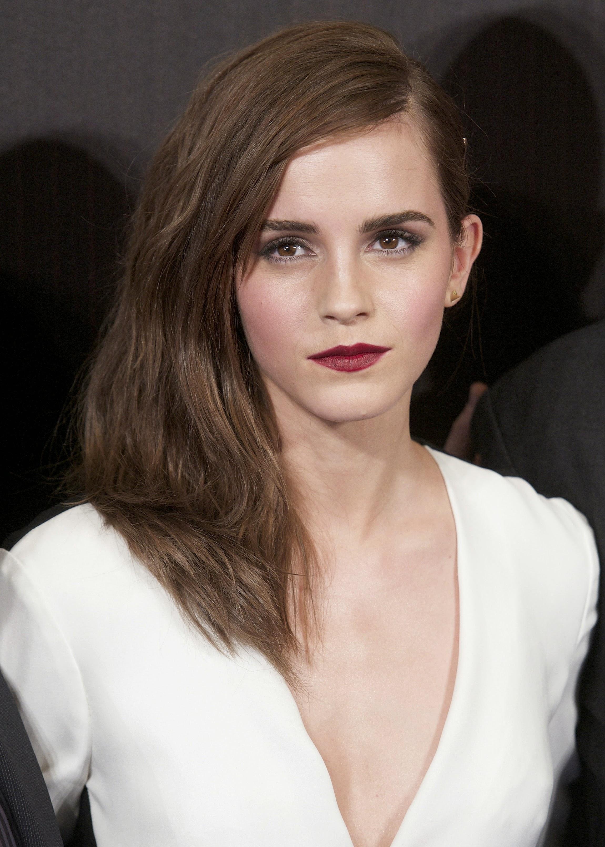 Emma Watson Hollywood Actress 40 Fantastic Photos: Emma Watson Pictures Gallery (9)