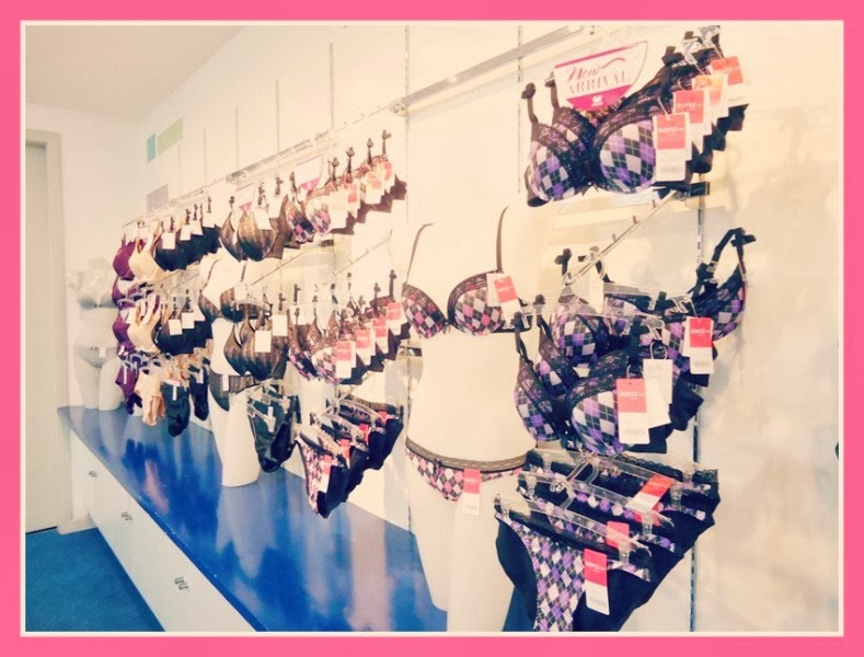 Wacoal Philippines teaches us who to shop for a perfect fit bra