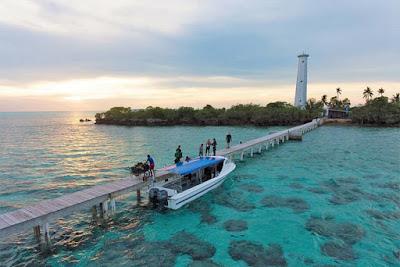 Bule usir wisatawan di Pulau virgin cocoa