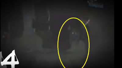 تجول شابان في احدى المقابر ليلاً.. وما وجداه لم يكن سارا!! كان من أفزع ما صورته العدسات الكاميرا في المقابر ... شاهدوا ماذا وجدوا :