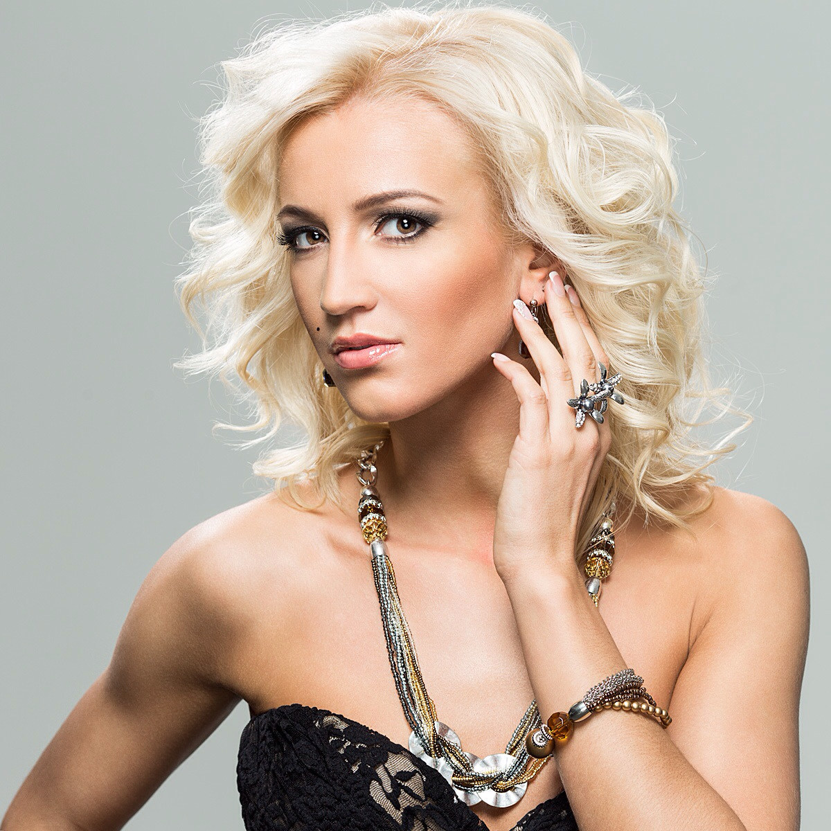 Olga Buzova changed the image after returning from the USA