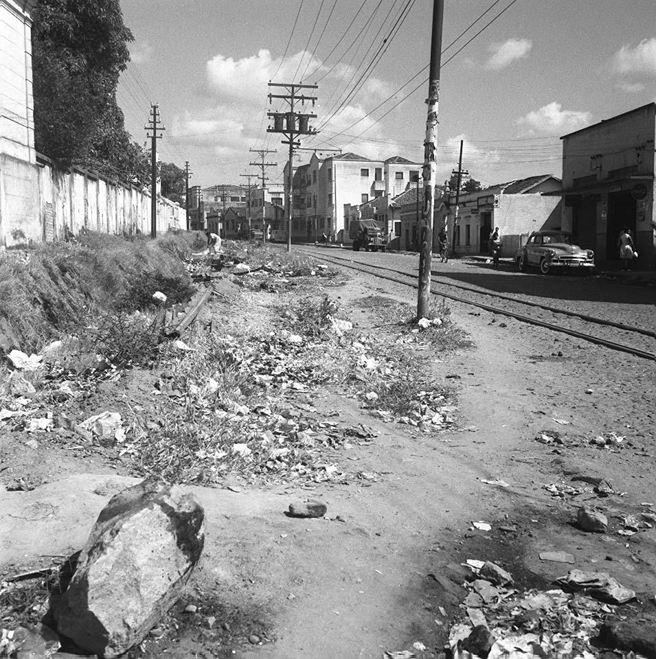 Os anos 1950  Metropolização e Desordem Urbana ~ Curral del Rey bfe8ac3403124