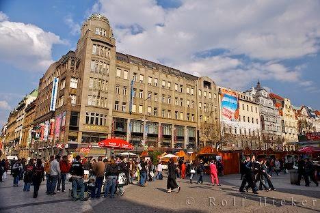 [Resim: wenzelsplatz-prag_10675.jpg]