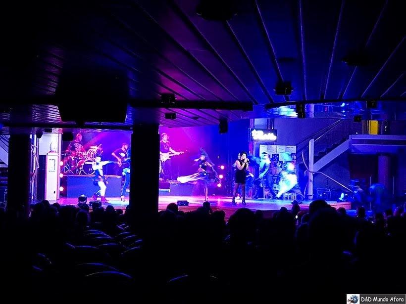 Espetáculo no navio - Diário de bordo: Cruzeiro pelo Caribe