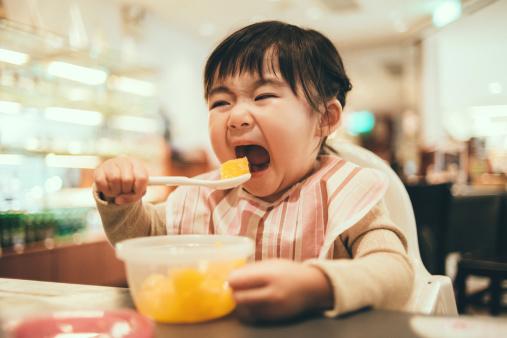 Jauhkan Anak dari Makanan Manis dan Gurih, Ini Alasannya