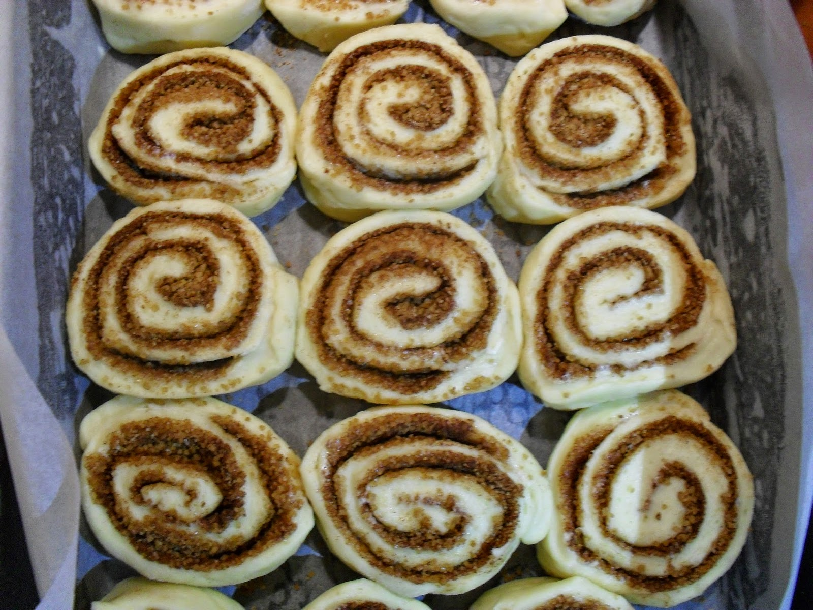 Cynamonowe bułeczki (cinnamon rolls)