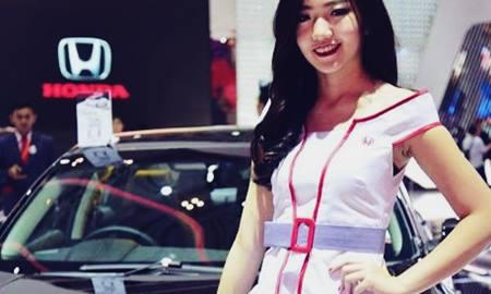 SPG Honda Cantik Ini Membuat Heboh Para Pengunjung di PRJ Kemayoran