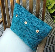 Hand Knitted Things: Checkerboard Cushion Cover Featured