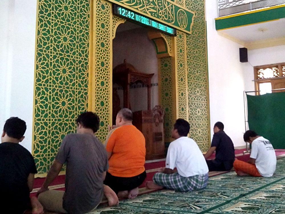 Zikir dan Doa sebelum Salat Berjamaah di Masjid