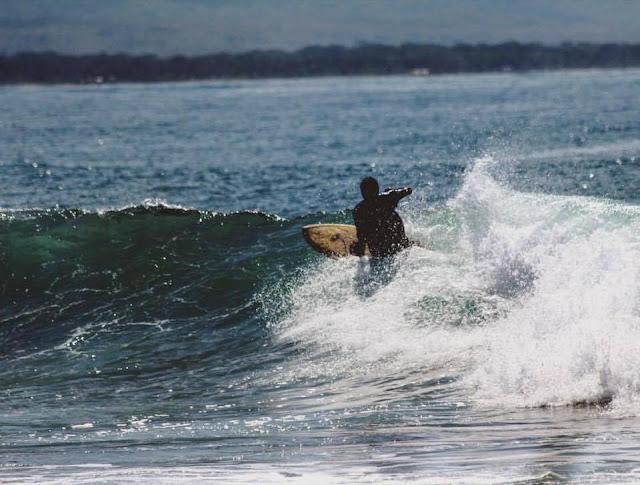 kompetisi olahraga surfing