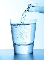 veillez à boire au minimum au moins 1,5 litres d'eau par jour