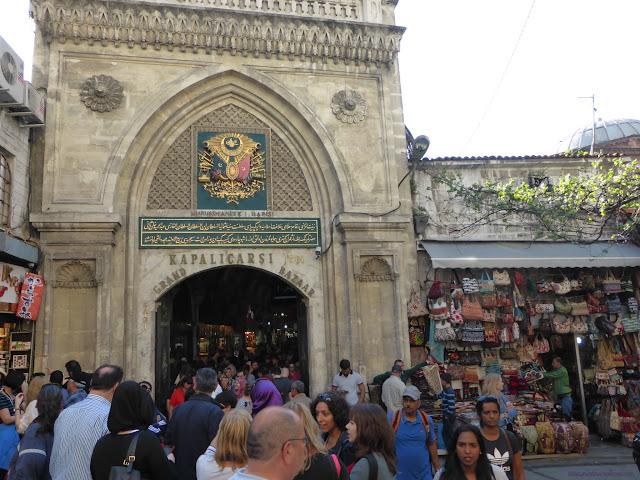 Vchod do Veľkého Bazáru, Istanbul, Turecko