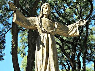 Cristo na Plazoleta Obispo Aguirre, San Isidro, Buenos Aires, Argentina