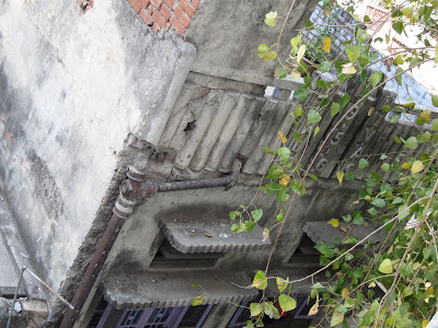 Lucknow building alley