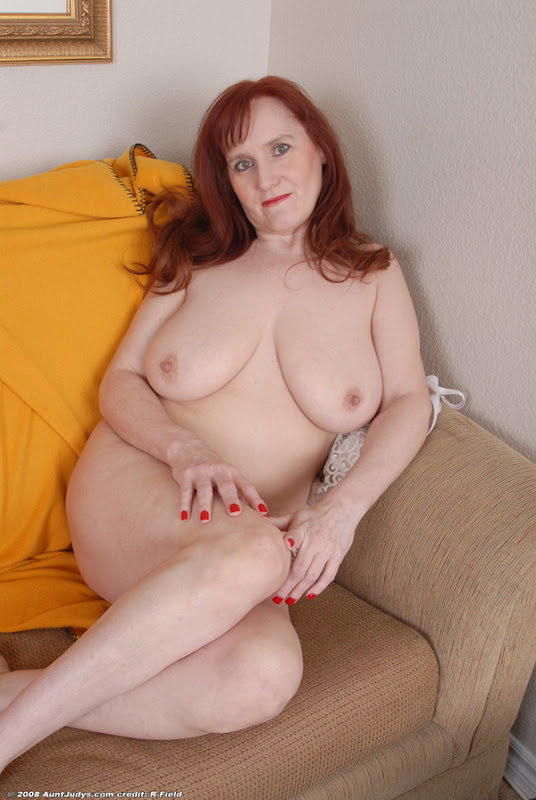 Busty redhead mature babe stripping after cup of coffee