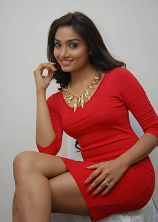 Aishwarya Devan Profile Family Biography Age Biodata Husband Photos