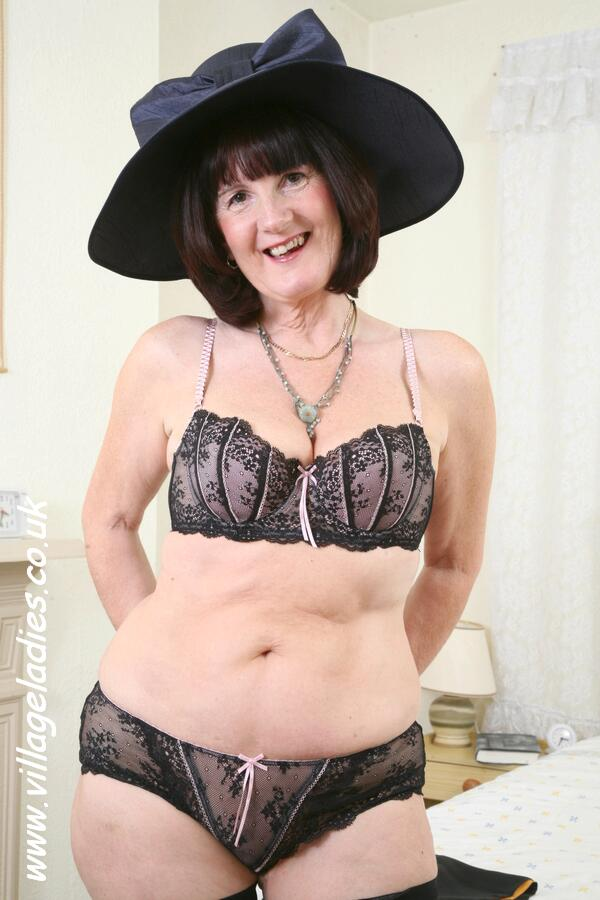 Fat Nude Granny Pictures