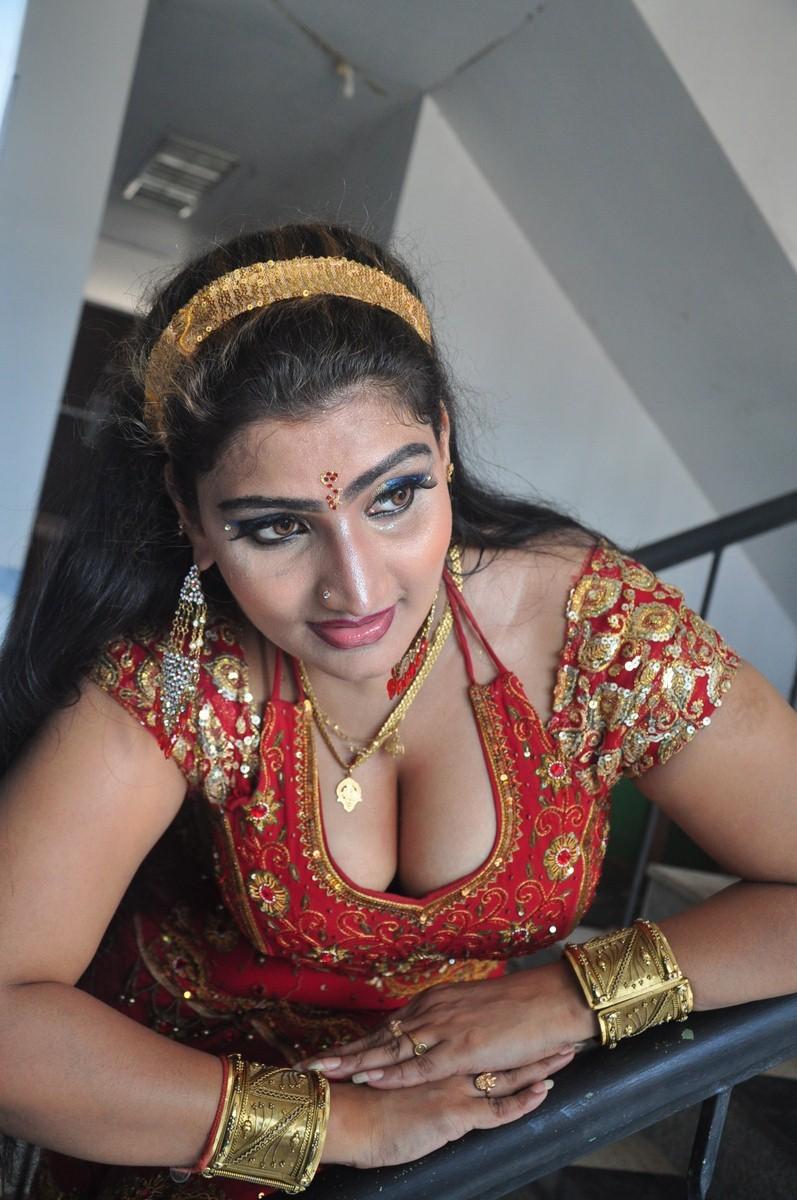Mallu Actress Babilona Big Boobs Cleavage And Boob Press -2439