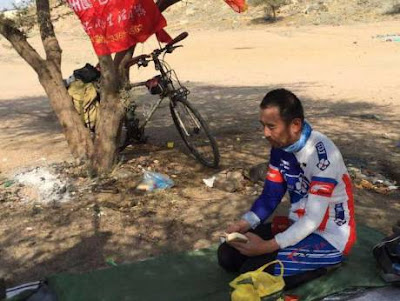 Pilgrim Cycles from China to Saudi to Perform Hajj