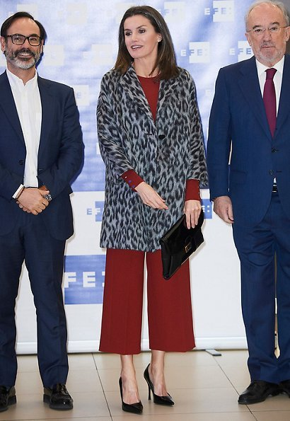 Queen Letizia wore Hugo Boss Mathia coat, Hugo Trima cropped wide leg trousers